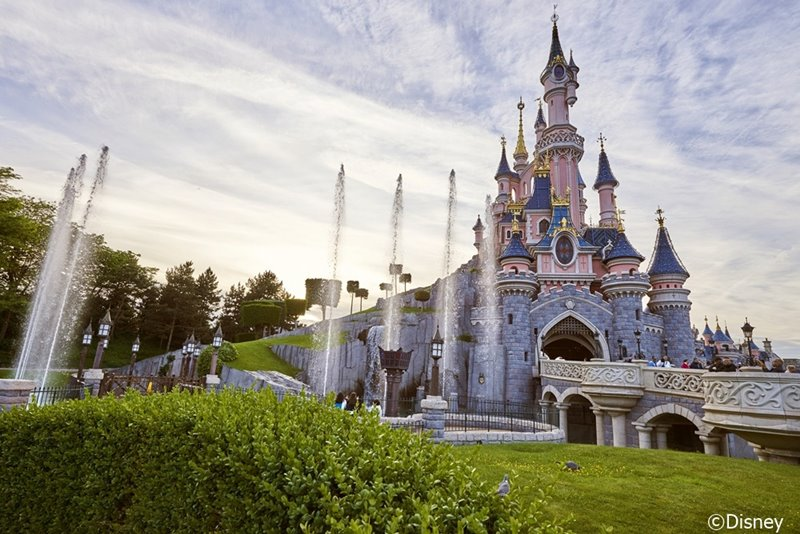 Disneyland® Paris Entertain Tours