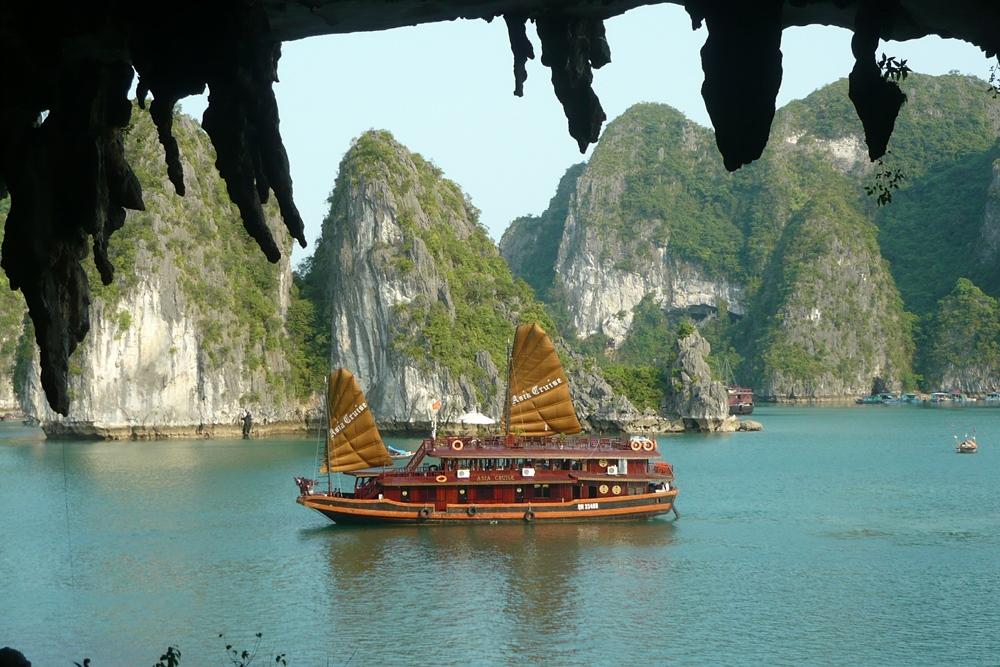 Vietnam Movie Tour Entertain Tours